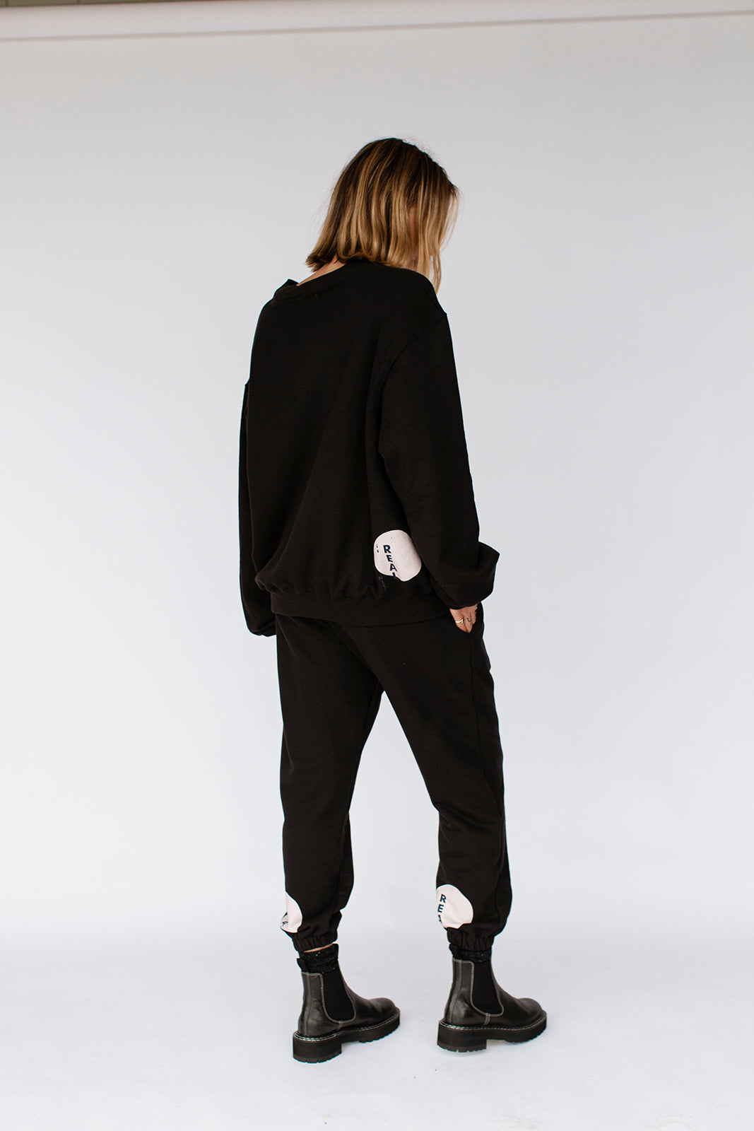 KHALO TRACKPANTS - BLACK (pre-order)