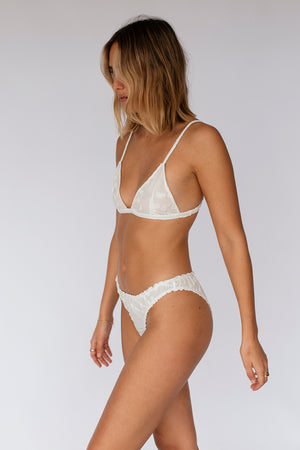 JAYDE UNDIES - WHITE TEXTURED (pre- order)