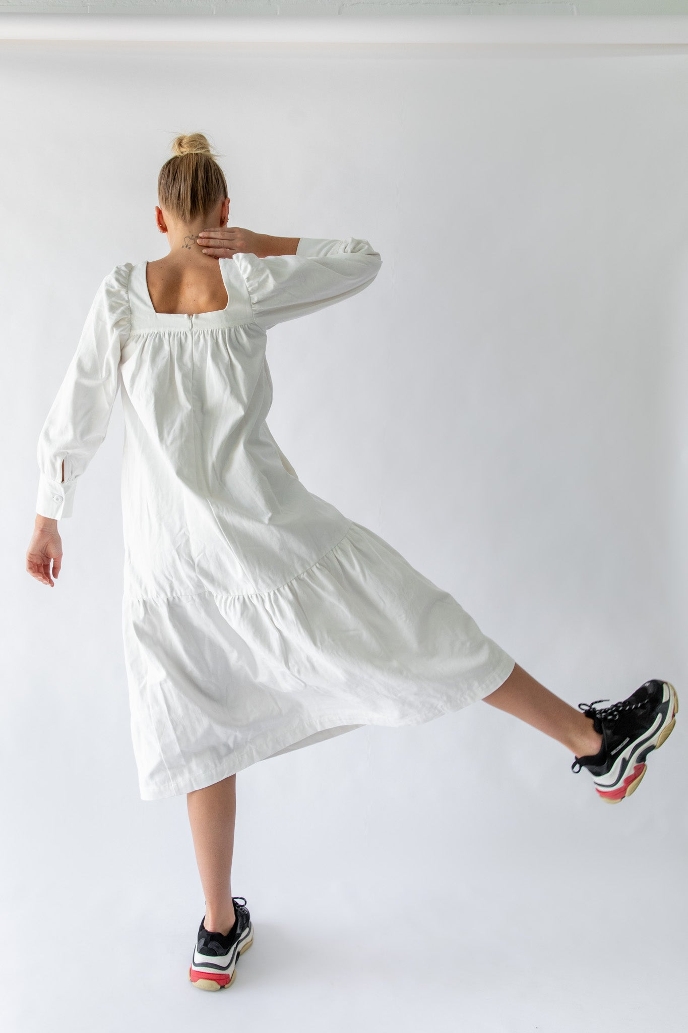 TAO DRESS - OFF WHITE