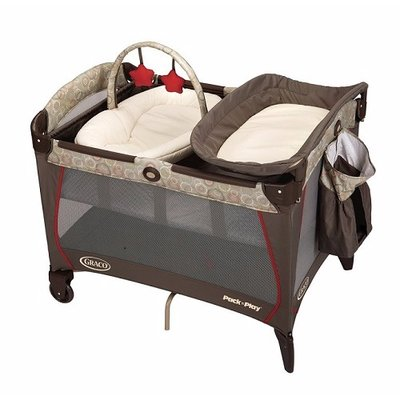 Graco Pack n Play with Newborn Napper Station
