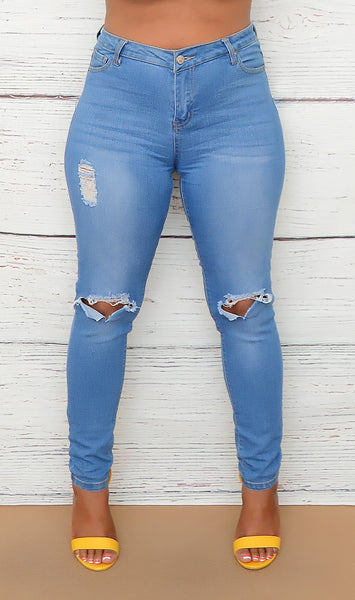Women's Junior Size Light Wash Distressed Jeans