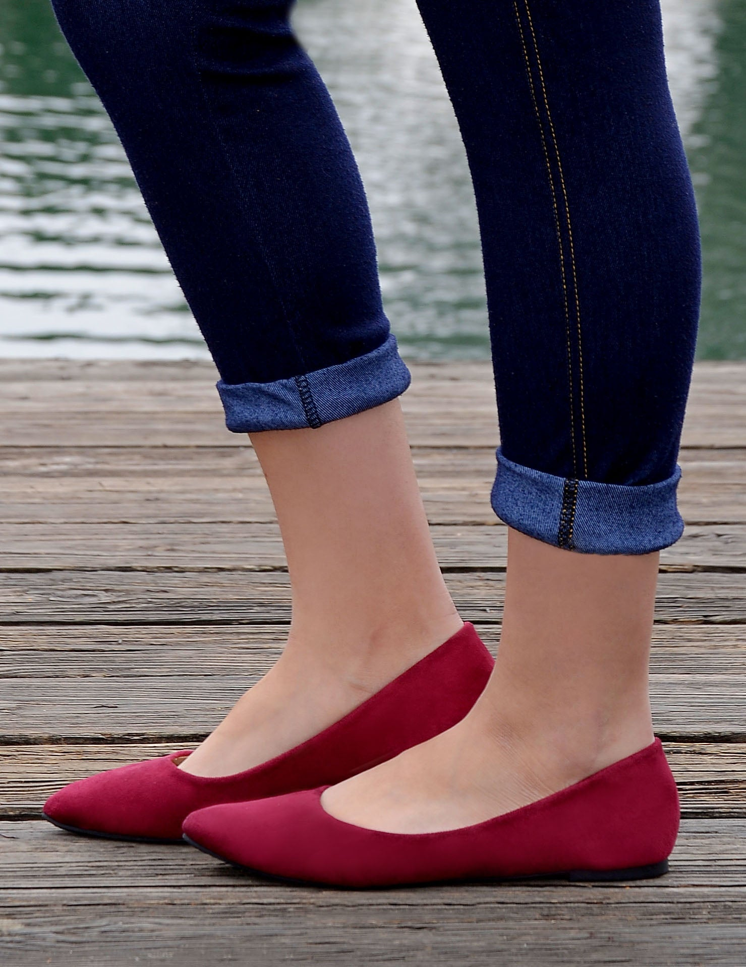 Women's Classic Pointy Toe Faux Suede Flats - Maroon