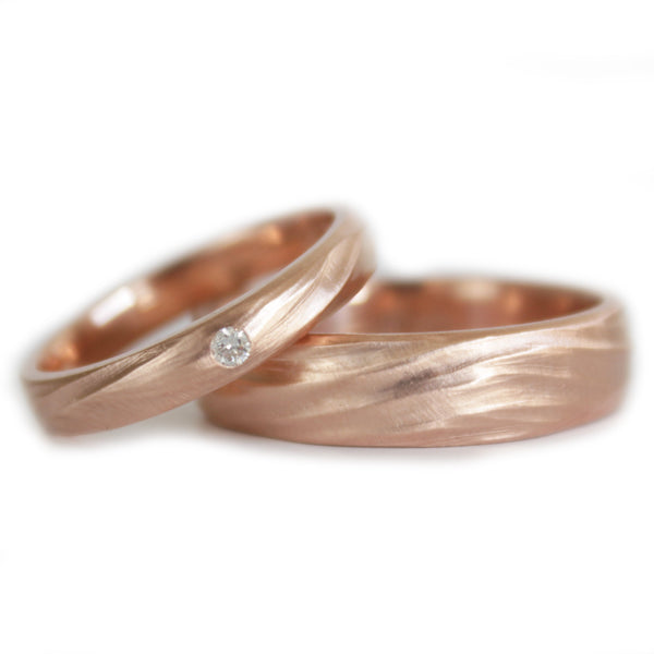 Wedding rings set his and hers