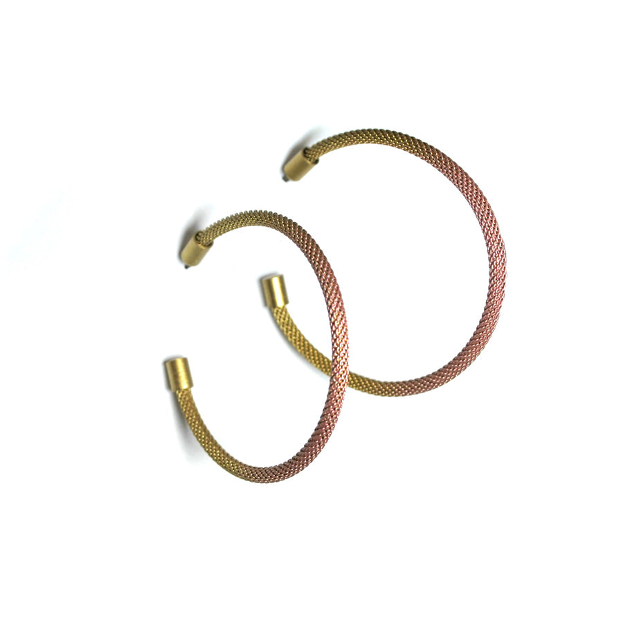 Ombré effect on earrings. Brass to light pink and back to brass