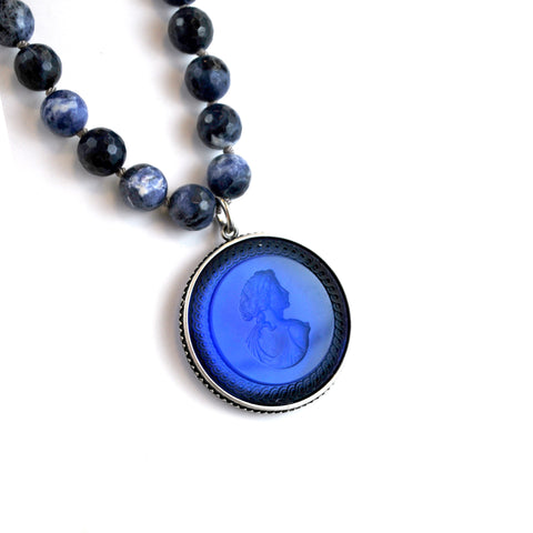Sapphire Pendent Necklace With Beads