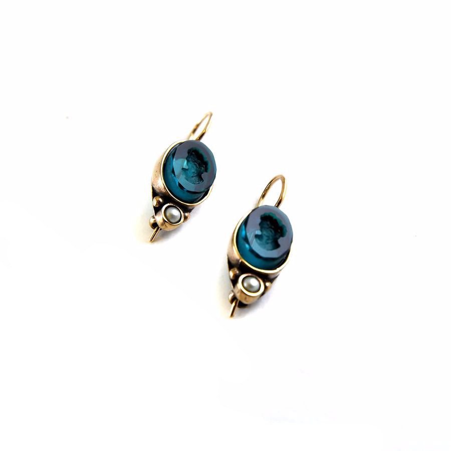 Oval Zircon Intaglio Earrings