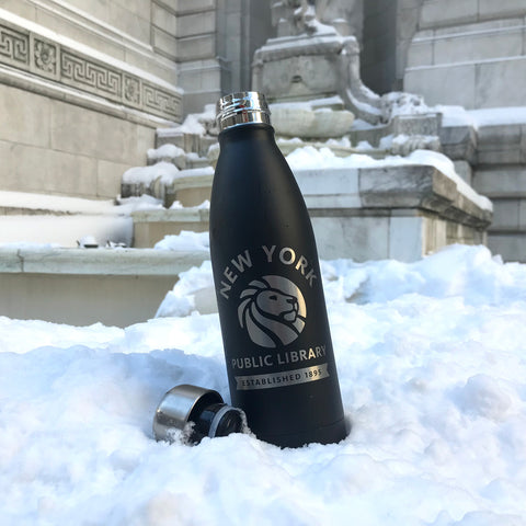 Image of the water bottle in the snow