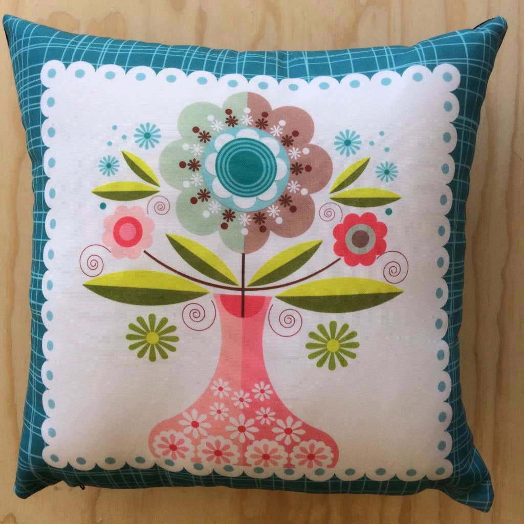 Ellen Giggenbach Cushion (Flowers in Vase with blue border)