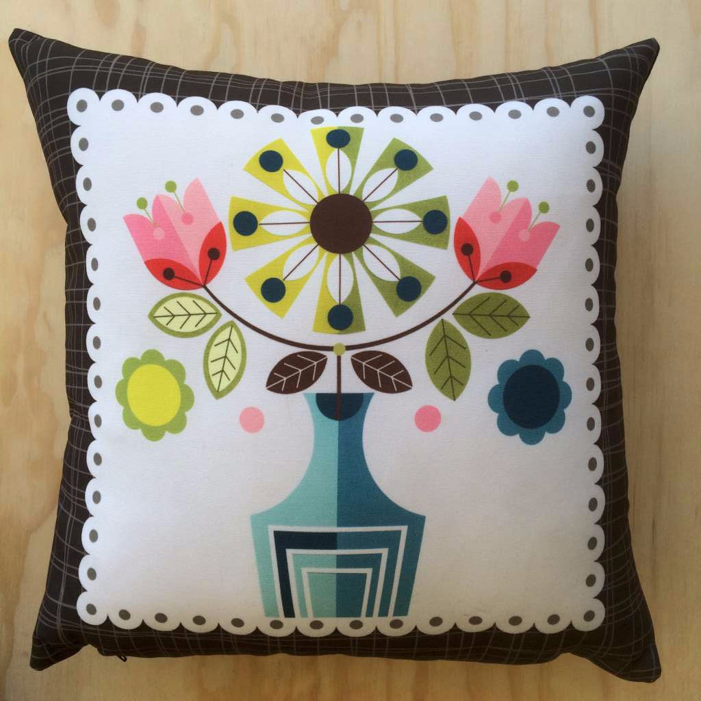 Ellen Giggenbach Cushion (Flowers in Vase with brown border)