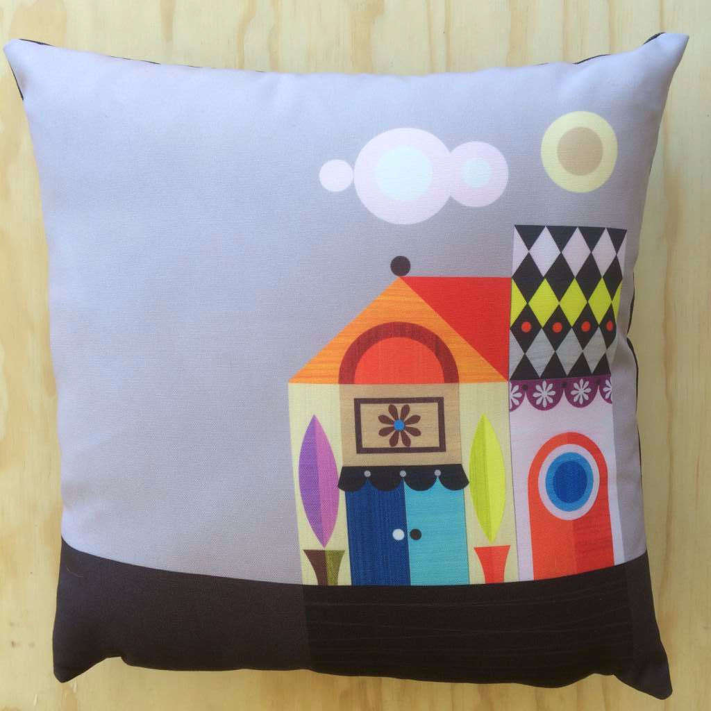 Ellen Giggenbach Cushion (Retro House)