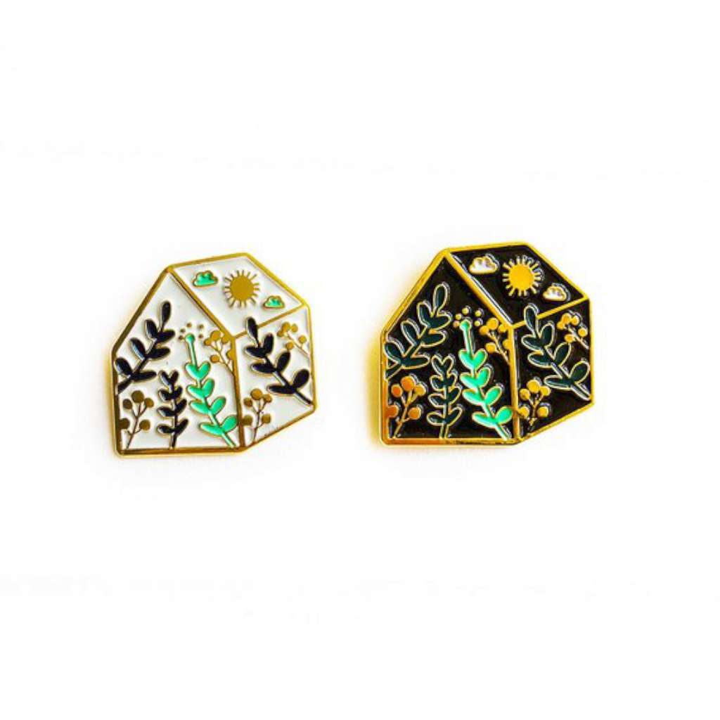 HMM Lapel Pin - Green House (black)