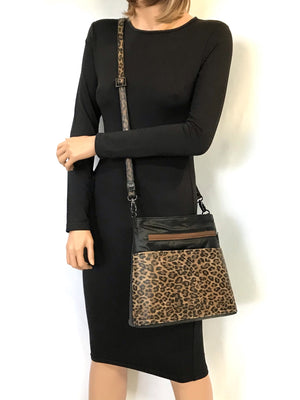 Savanna Crossbody Black model view