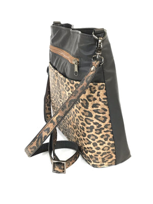 Savanna Crossbody Black side view