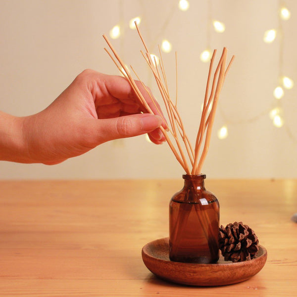 100% natural plant derived essential oil reed diffuser using 100% essential oil and natural reed alcohol free