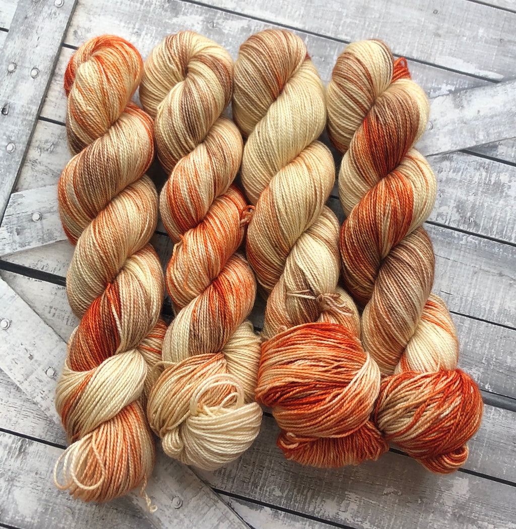 CROOKSHANKS Harry Potter Hand Dyed Superwash Merino Yarn,Sock Toad