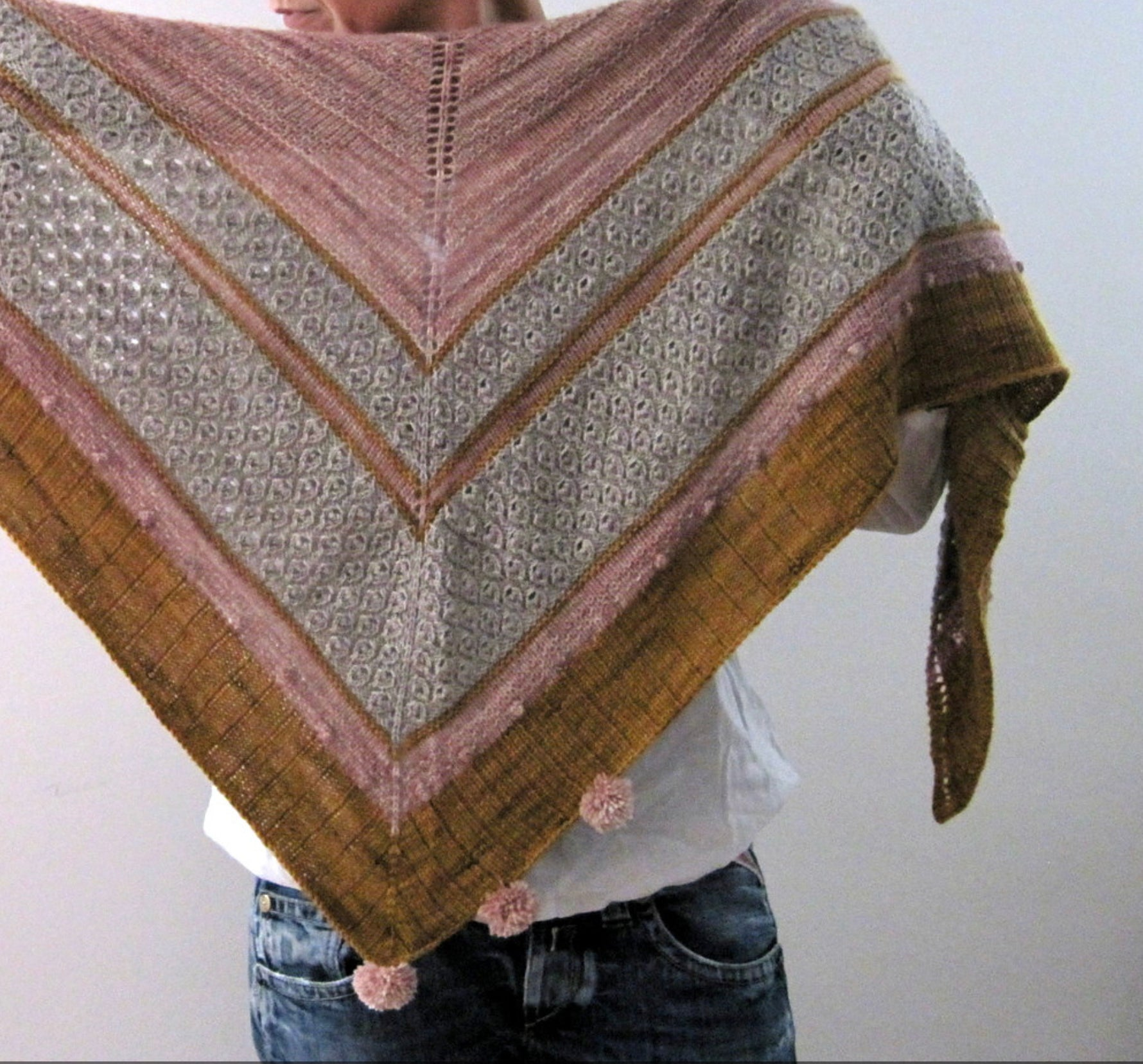 GIRL'S BEST FRIEND SHAWL KIT, Toad Hollow Yarns
