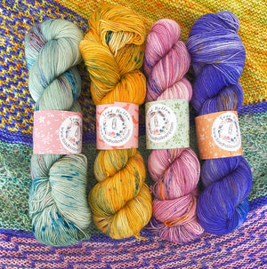 ROULOTTE SHAWL KIT, Toad Hollow Yarns