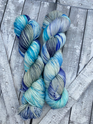 SPOOKY HALLWAY - FALL 2020 collection, Toad Hollow Yarns