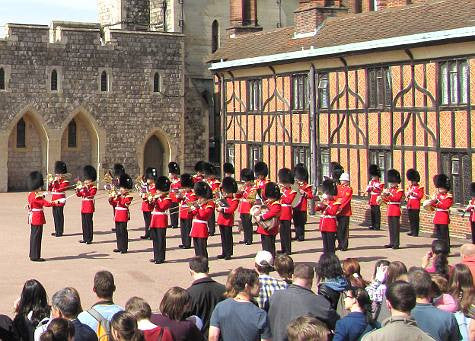 Unexpected tune from the guards at Windsor Castle