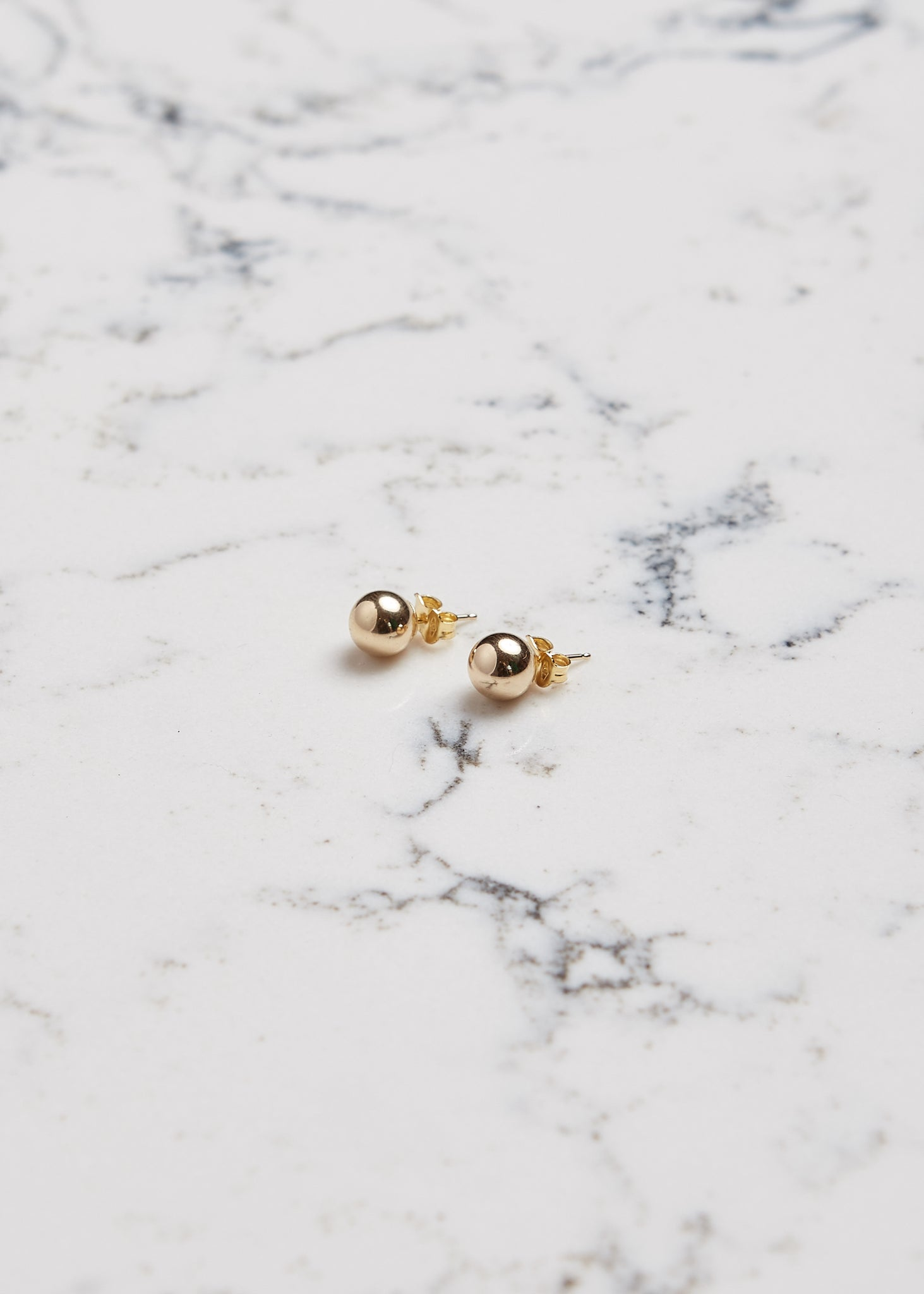 Ball Earrings | Boucle d'oreilles boule