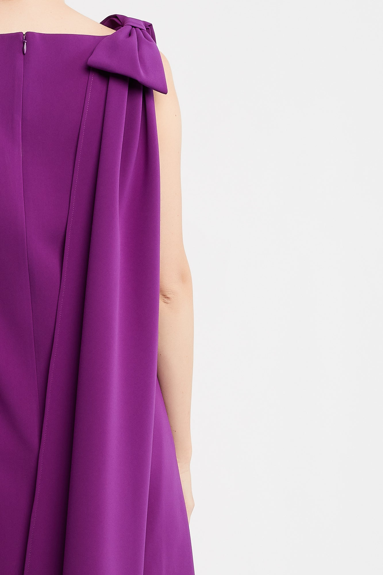 Marina-Rose Sleeveless Cocktail Dress in Berry with Bows