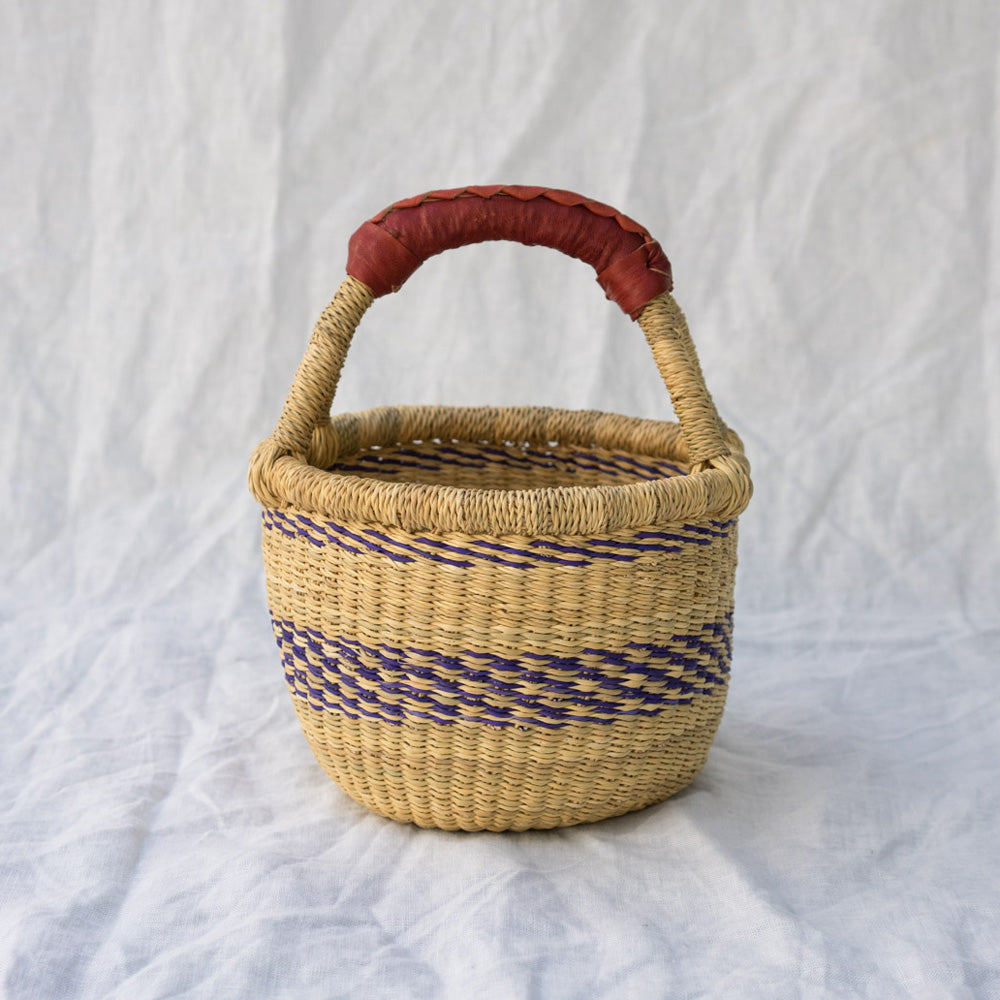 Mini Market Basket I in natural & navy blue