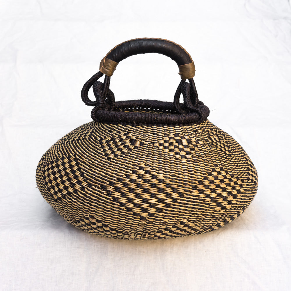 African pot basket in black & natural
