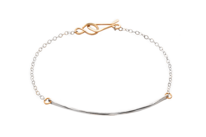 ven bracelet | bracelet featuring a hammered wire, delicate chain, and handmade clasp | available in all 14k gold fill or sterling silver with gold details | #failjewelry
