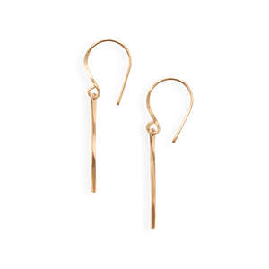 small ven earring | minimal earring with hammered texture | available in 14k yellow gold fill or sterling silver, both with gold fill ear wires | #failjewelry