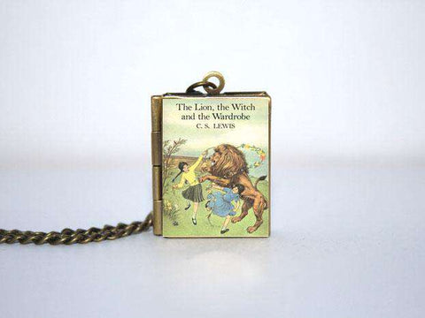 The Lion, the Witch and the Wardrobe Book Cover Locket Necklace Keyring - Gifts For Reading Addicts