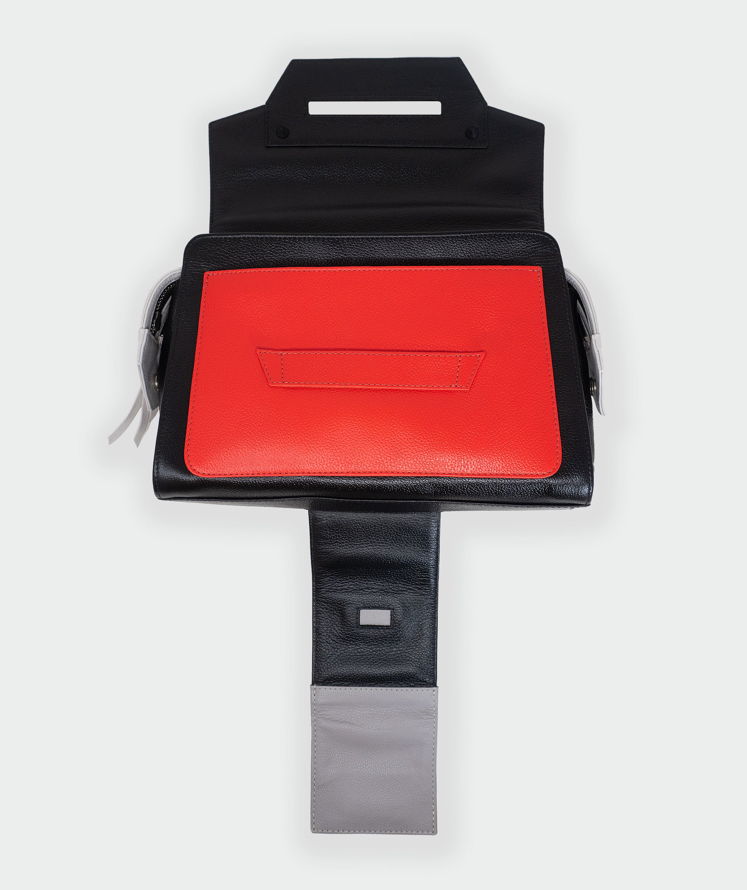 Cael Reversible Shoulder Bag