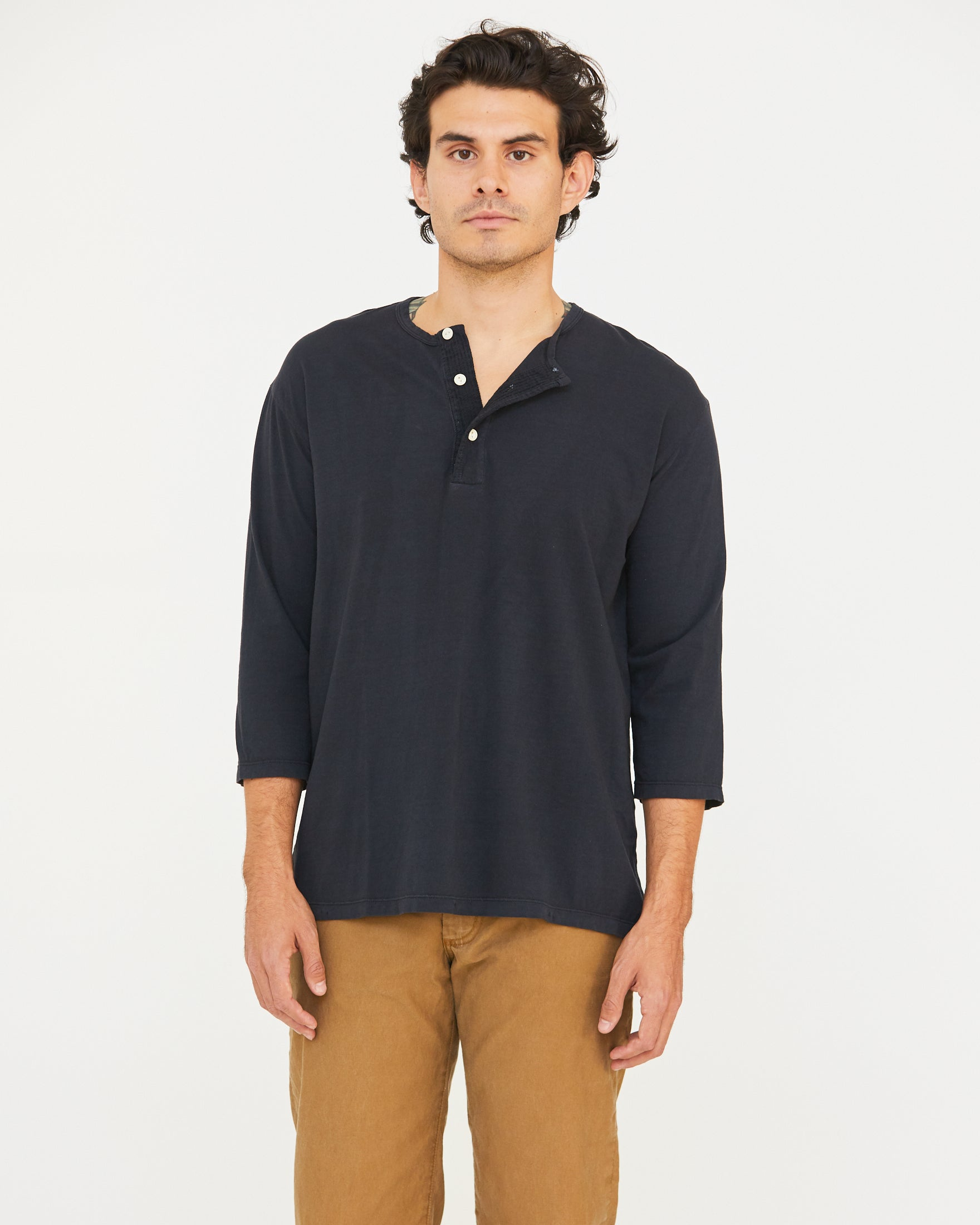 DAVIS 3/4 SLEEVE HENLEY - MIDNIGHT