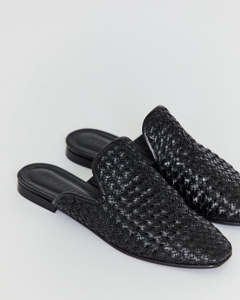 Load image into Gallery viewer, FREDA SALVADOR - MURPHEY SLIP ON - BLACK WOVEN