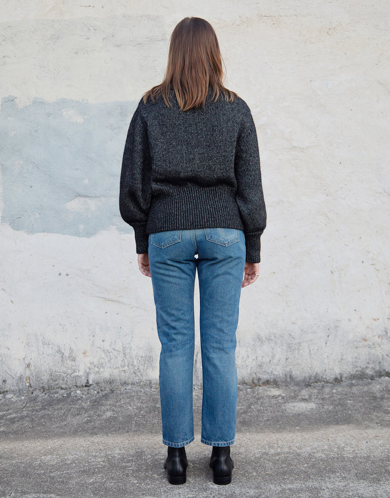 Load image into Gallery viewer, QUINN SWEATER - IRON