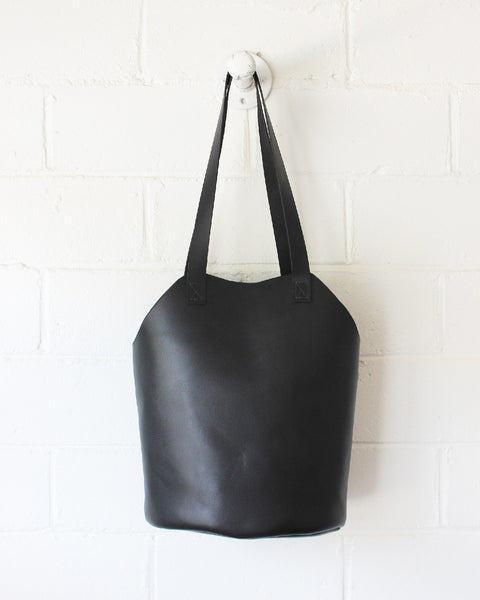 ESBY FISHERMAN TOTE - BLACK CALFSKIN