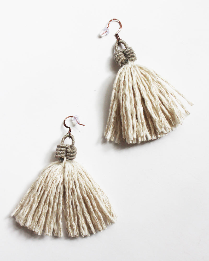 Load image into Gallery viewer, FIBROUS - ELSIE EARRINGS - NATURAL