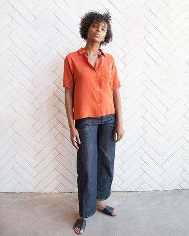 JULIE SILK BUTTON-DOWN - TOMATO