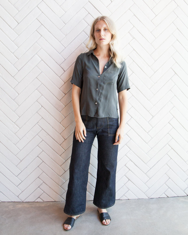 Load image into Gallery viewer, JULIE SILK BUTTON-DOWN - PINE - M