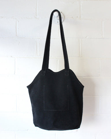 ESBY FISHERMAN TOTE - BLACK SUEDE