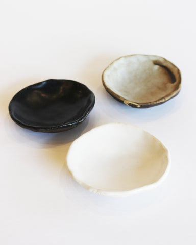 NOTARY CERAMICS - PINCH DISH - SATIN WHITE