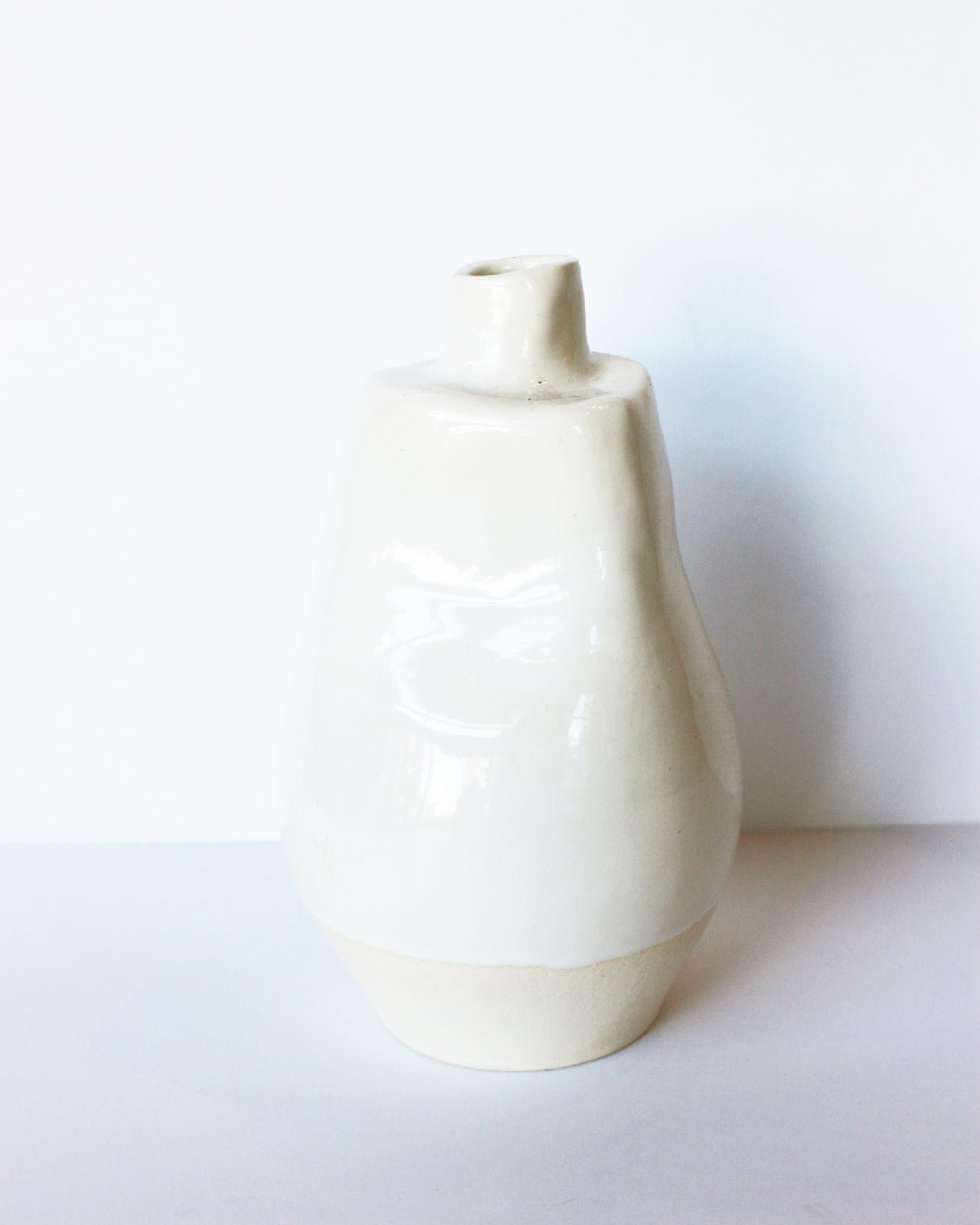 WORK by NONNY / TALL WHITE VESSEL