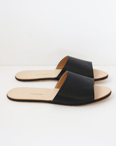 THE PALATINES - CAELUM SLIDE - BLACK PEBBLED LEATHER