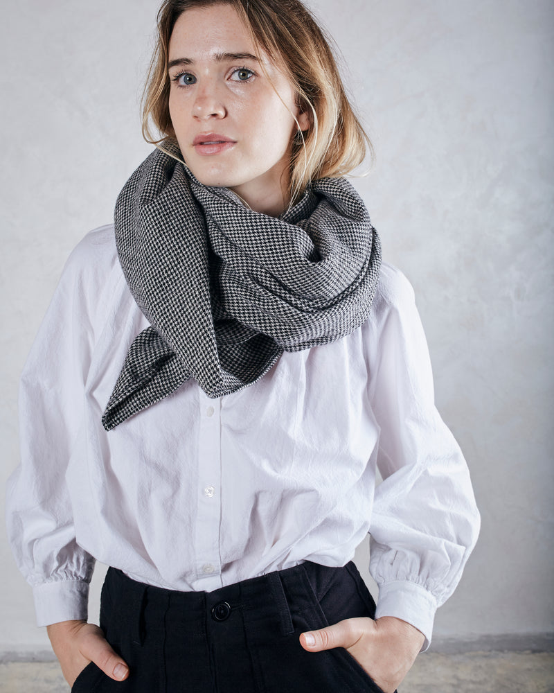 Load image into Gallery viewer, DYLAN SCARF - MOCKINGBIRD HOUNDTOOTH