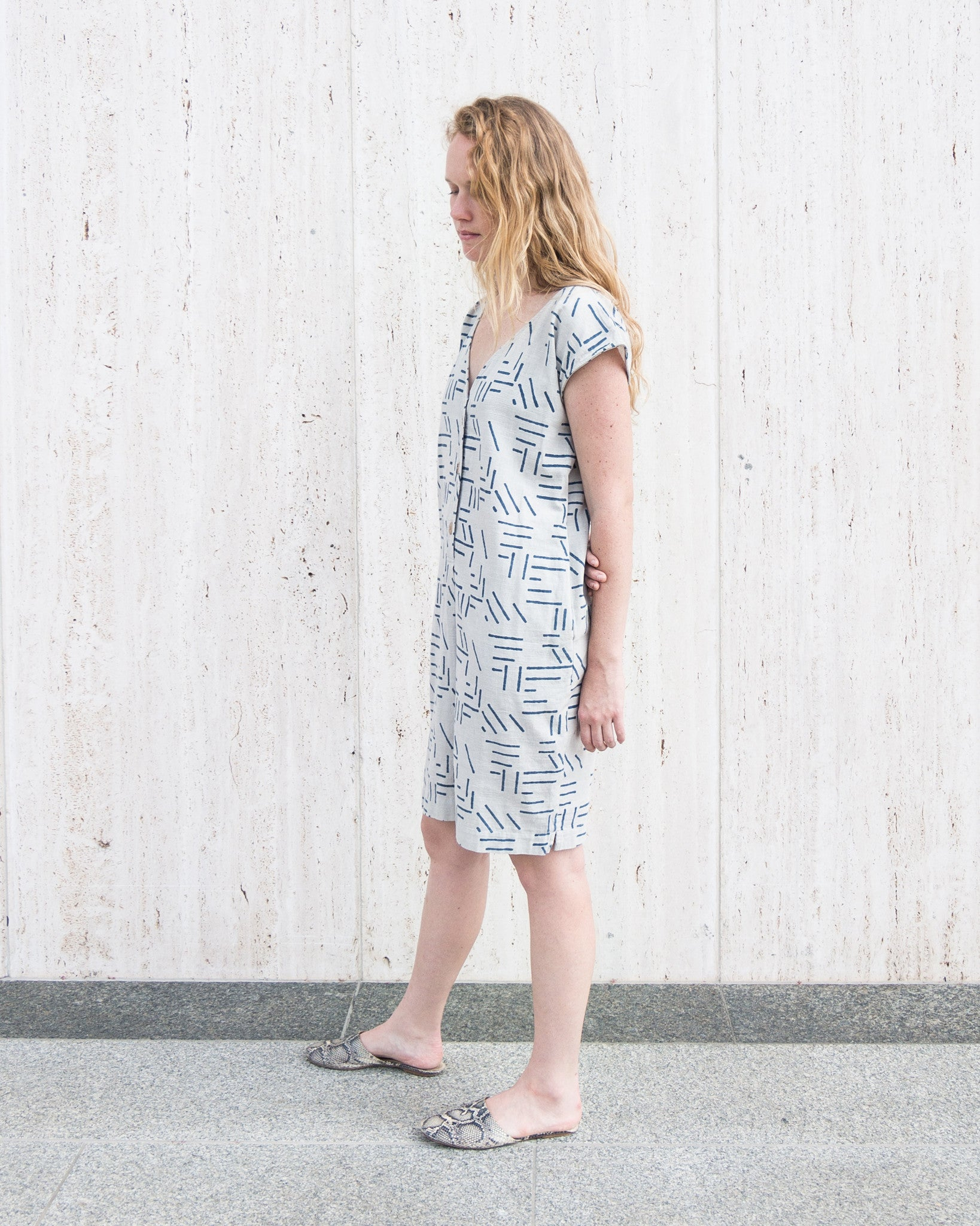 esby-apparel-womenswear-designed-in-austin-made-in-usa-caroline-shift-dress-seek-collective