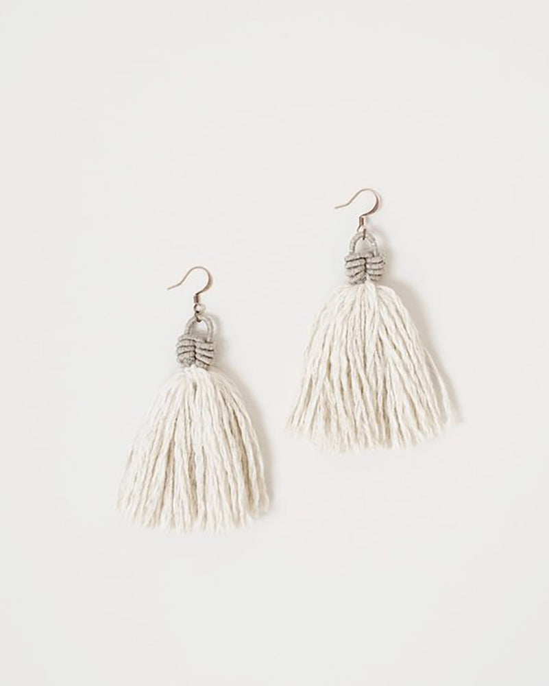 Load image into Gallery viewer, FIBROUS - ELSIE EARRINGS - CREAM