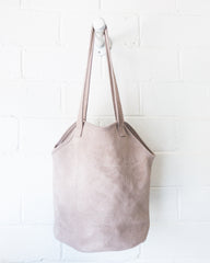 esby-apparel-womenswear-designed-in-austin-made-in-usa-fisherman-tote-sky-grey-suede