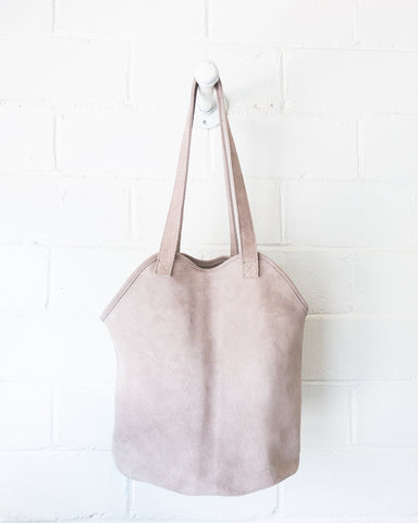 ESBY FISHERMAN TOTE - SKY GREY SUEDE