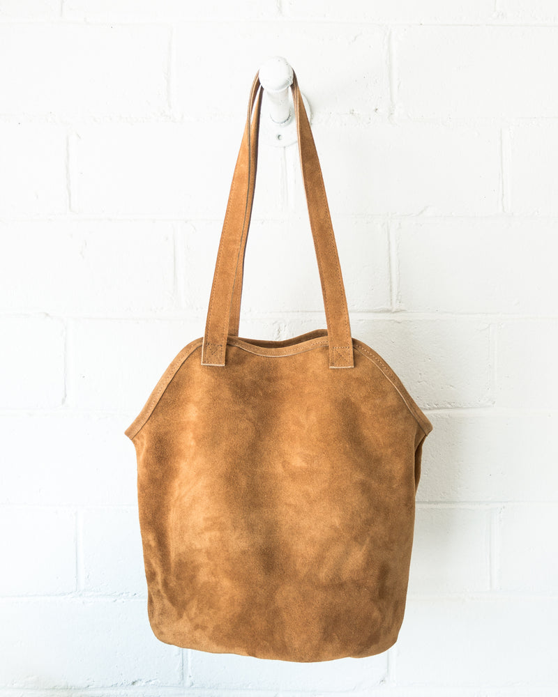 esby-apparel-womenswear-designed-in-austin-made-in-usa-fisherman-tote-toast-suede