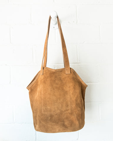 ESBY FISHERMAN TOTE - TOAST SUEDE