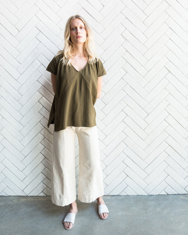 AVERY TOP - OLIVE
